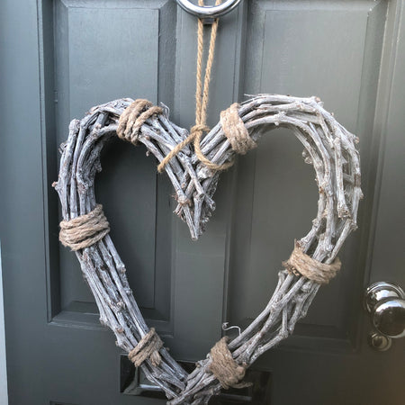 Rope tied willow heart