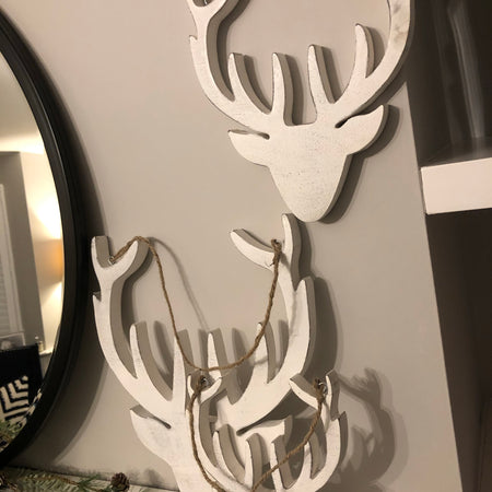 Small white mango wood hanging reindeer