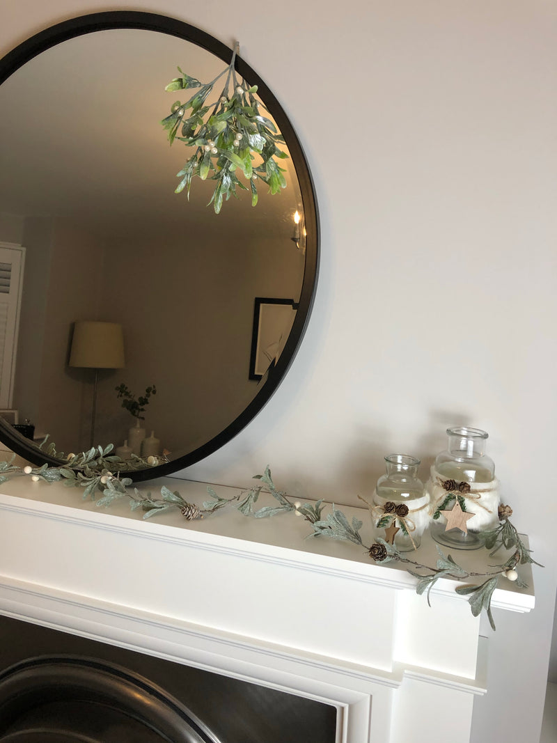 Frosted leaf and pine cone garland 110cm