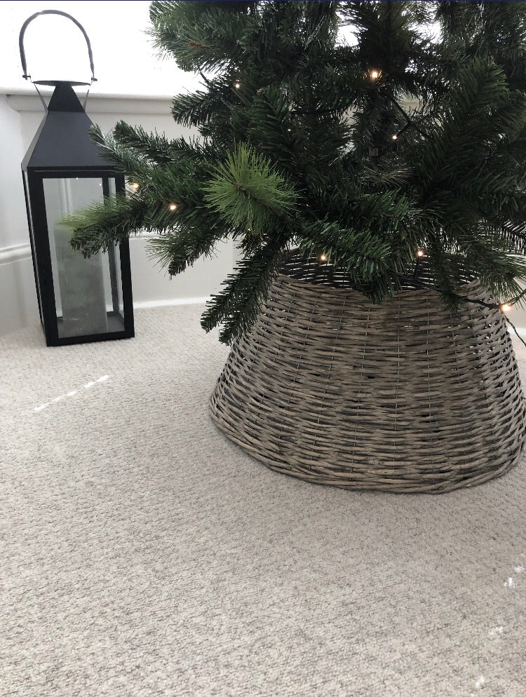 Wicker woven white washed tree skirt 55cm diameter 28cm tall