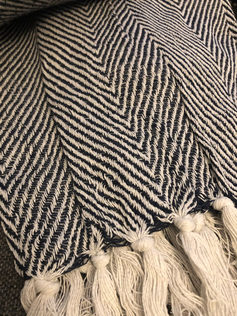 Navy herringbone throw with tassels 180x130