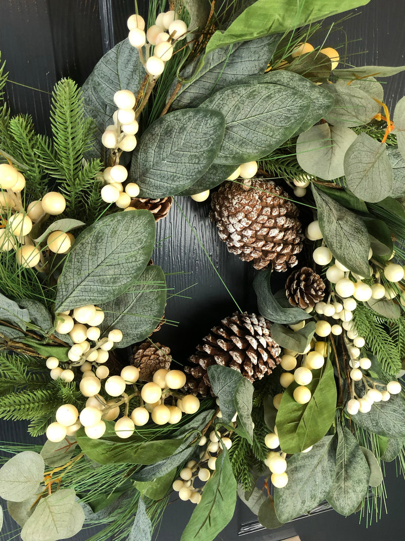 Snowberry and pinecone full wreath 50cm