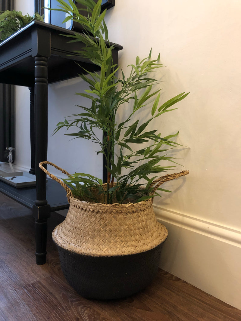 Medium sea grass round basket