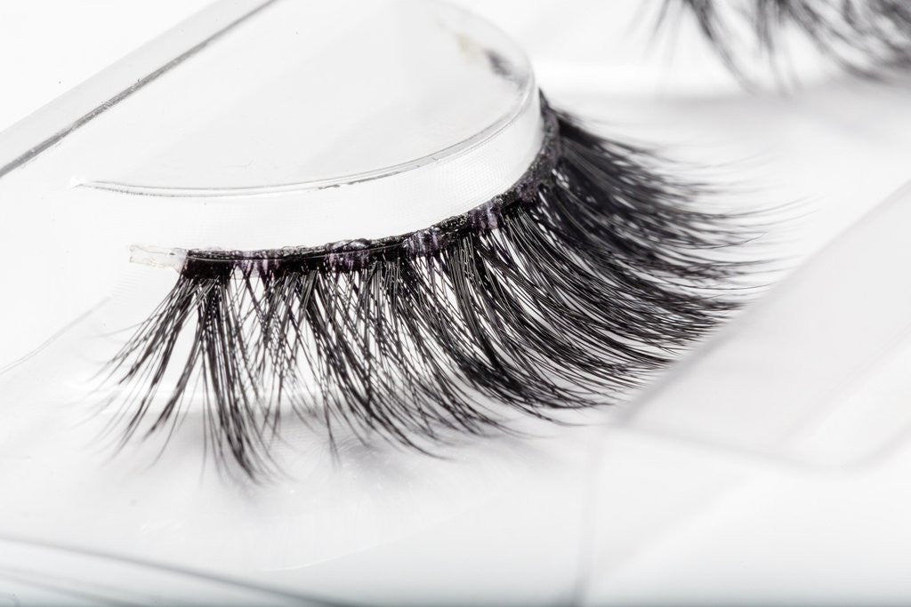 beee22ec097 Lilly Lashes 3D Band-Less Faux Mink Lashes Delara - Glammua ...