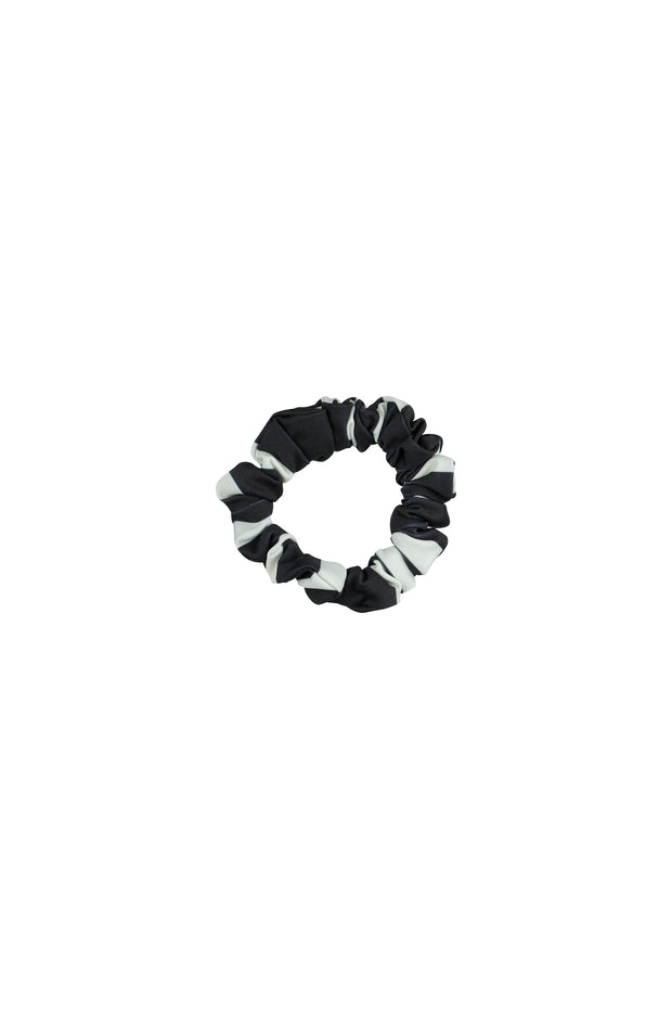 scrunchie (black cream stripe)