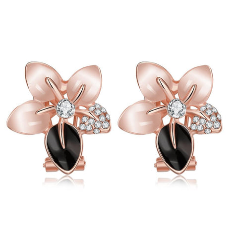 18K Rose Gold Daisy Petals Stud Earrings Made with Swarovksi Elements - rubiquejewelry.com