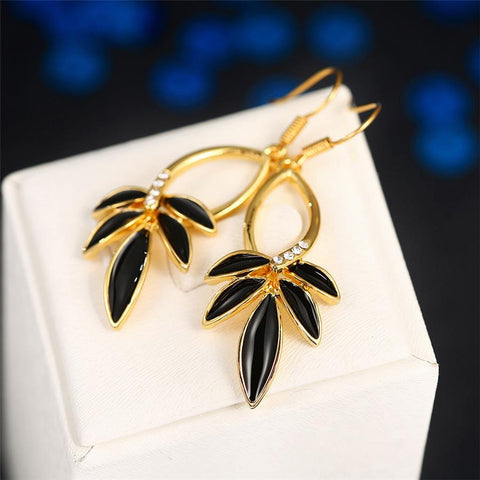 18K Gold Onyx Petals Drop Earrings Made with Swarovksi Elements - rubiquejewelry.com