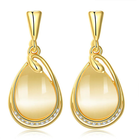 18K Gold Simple Drop Down Earrings Made with Swarovksi Elements - rubiquejewelry.com