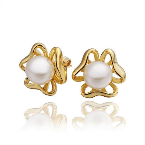 18K Gold Hollow Clover Earrings with Pearls Made with Swarovksi Elements - rubiquejewelry.com