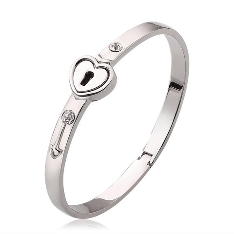 "18K White Gold ""The Key To My Heart"" Bangle with Swarovski Elements - rubiquejewelry.com"