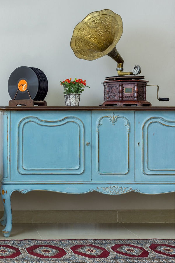 What Is Considered Vintage Furniture?