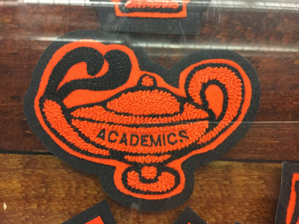 CHENILLE ACADEMIC LAMP PATCH