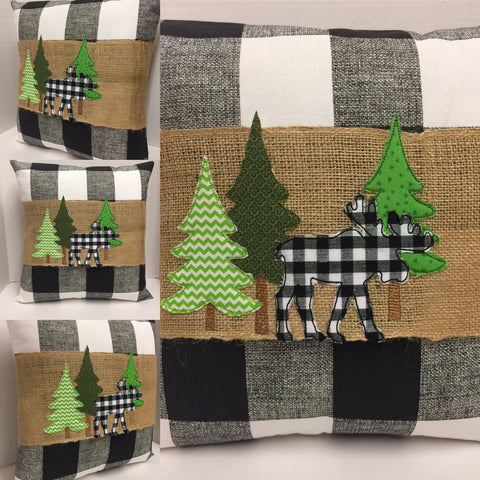 154 A Moose's Stroll Pillow Wraps