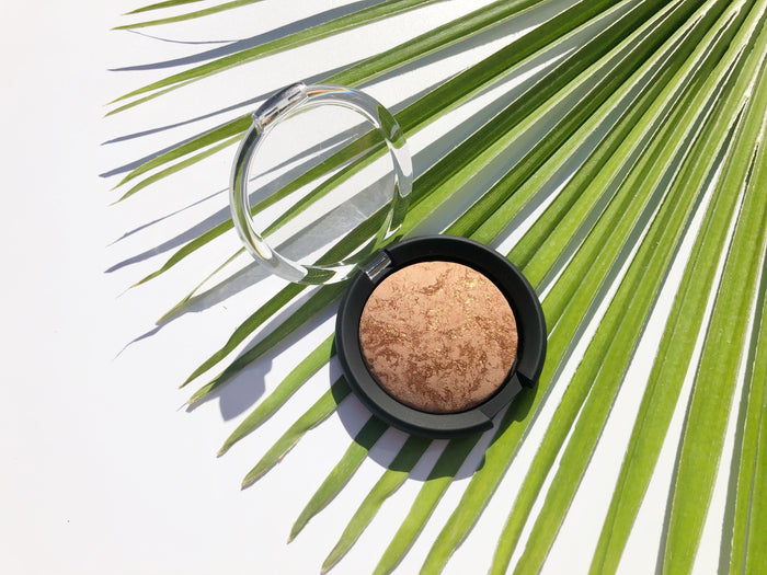Natural Illuminator + Bronzer Duo Finishing Powder