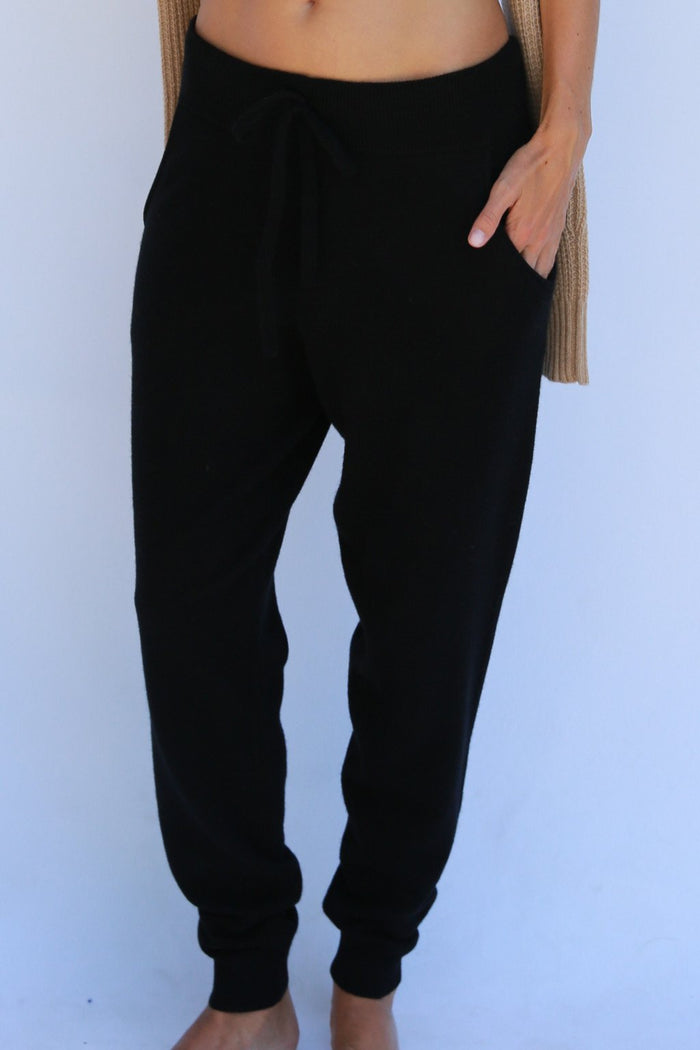 Oats Cashmere Hailey Jogger, Black