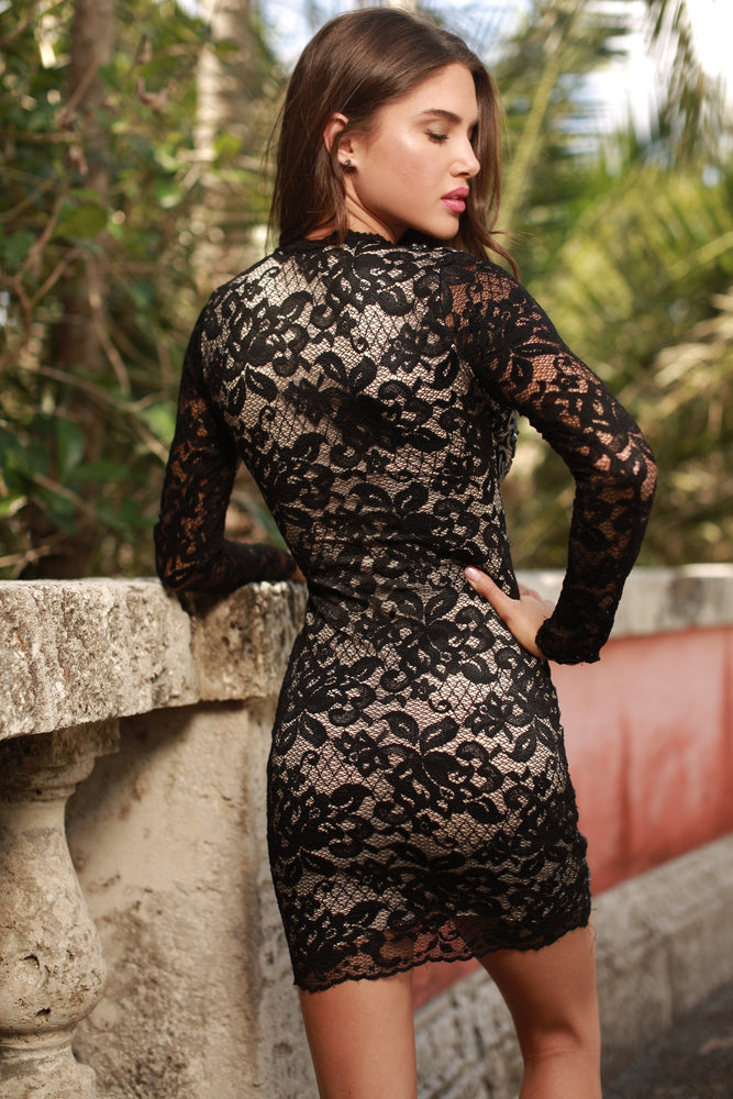 DIVORA LACE DRESS IN BLACK