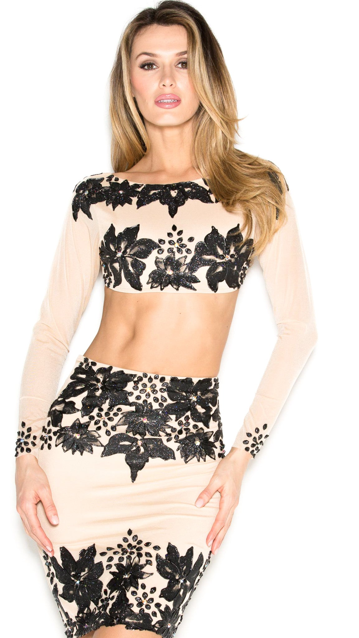 CLOVER TWO PIECE SET IN NUDE WITH BLACK