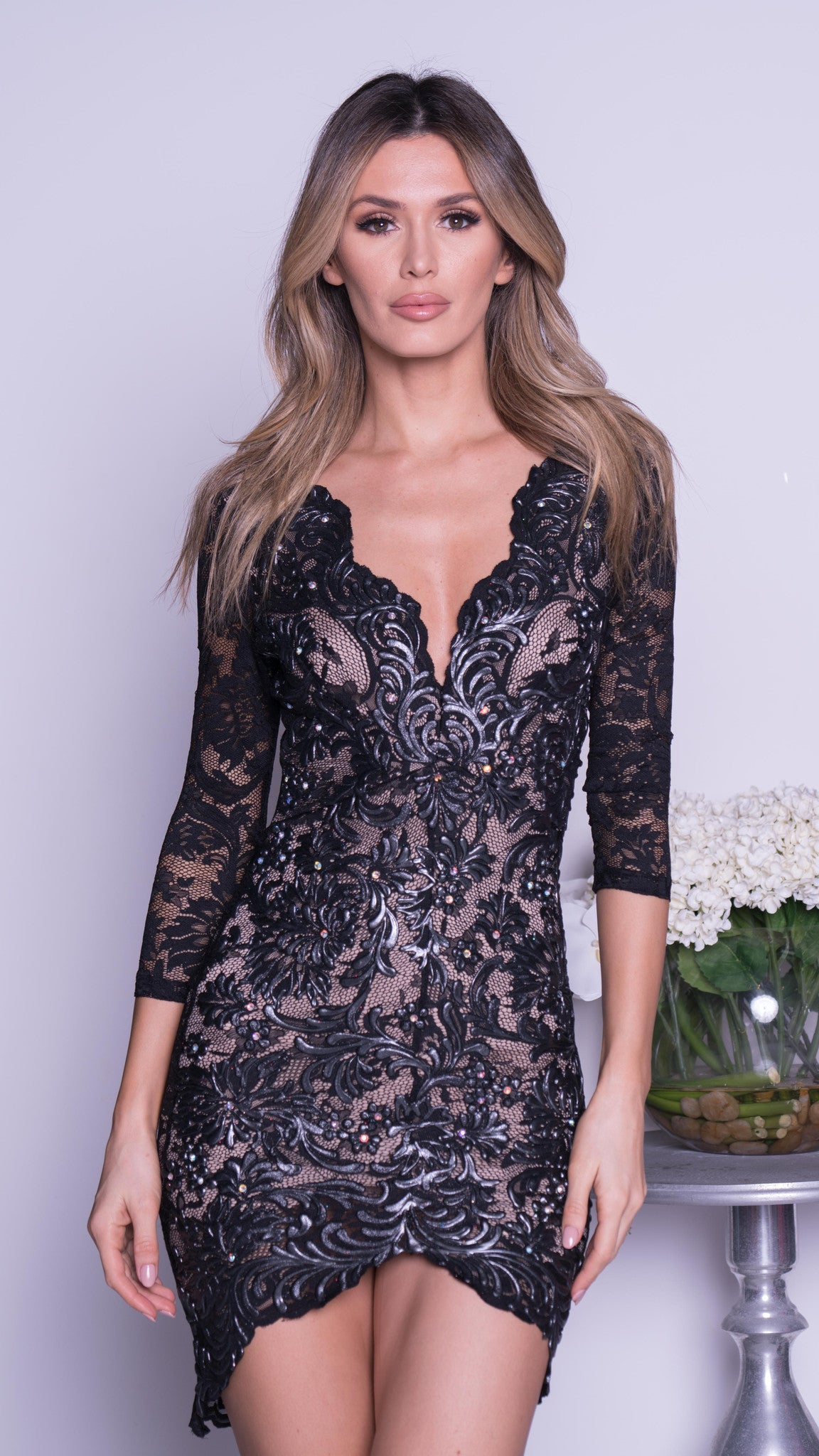 AKIRA LACE DRESS IN BLACK