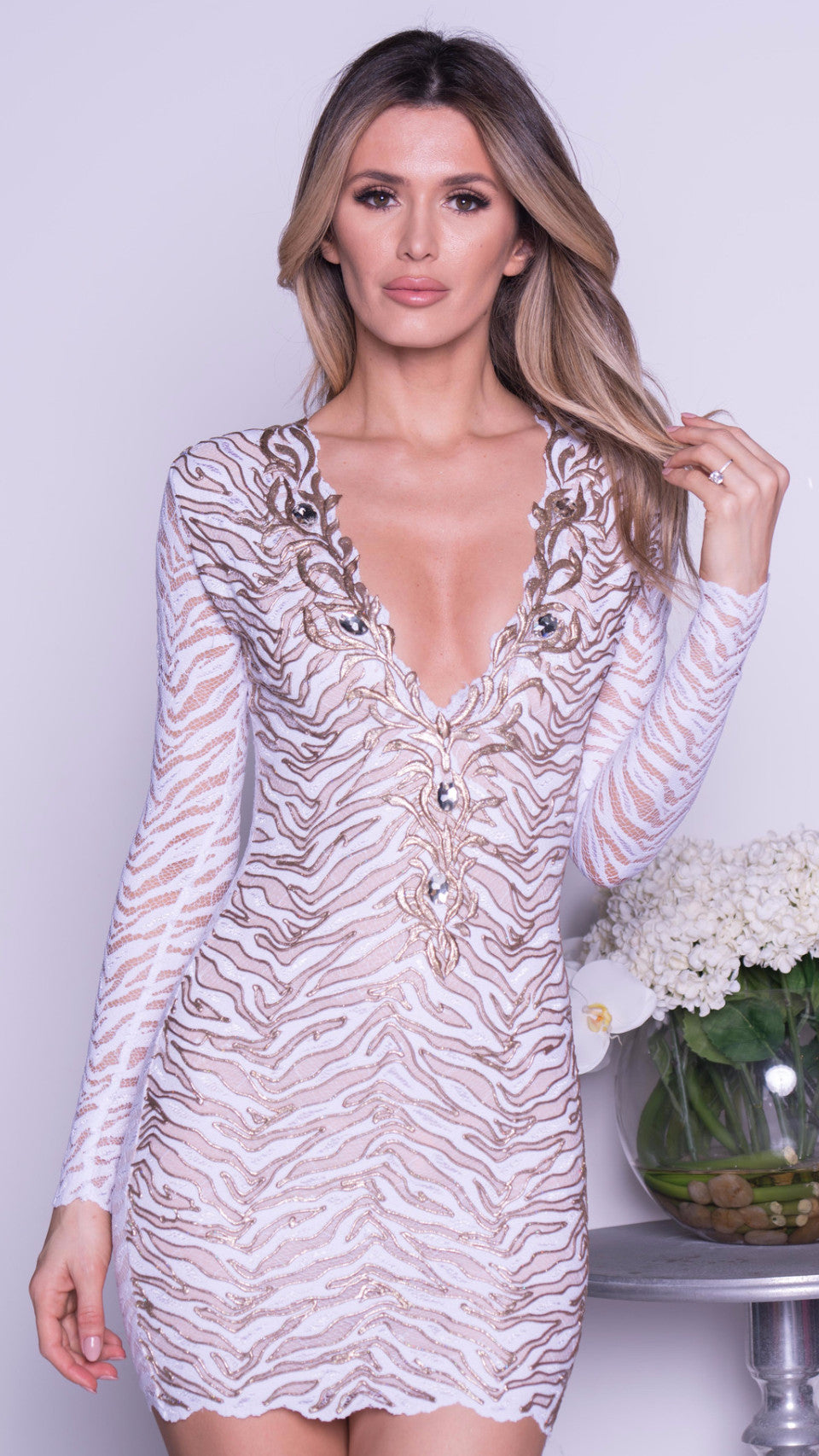 KARY LACE DRESS IN WHITE WITH GOLD