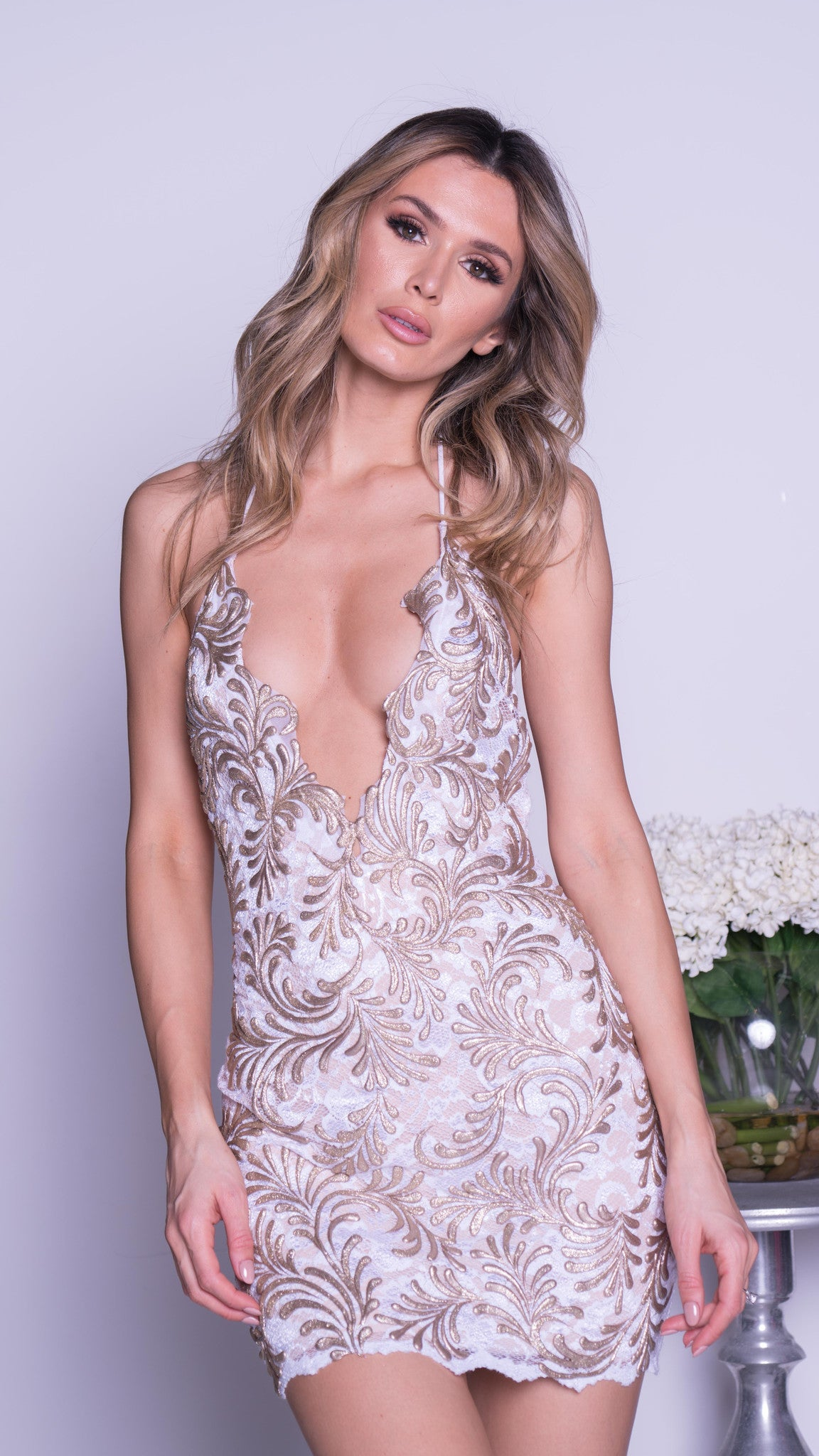 MORANE LACE DRESS IN WHITE WITH GOLD