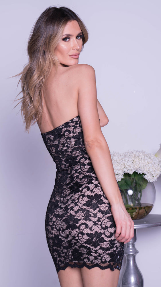 DONNA LACE DRESS IN BLACK