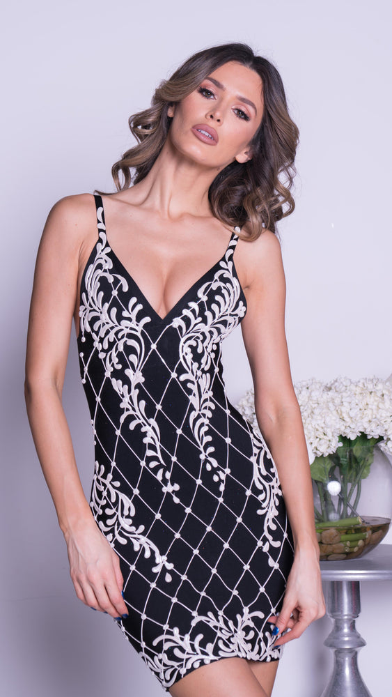 CARVER PAINTED BANDAGE DRESS IN BLACK WITH WHITE