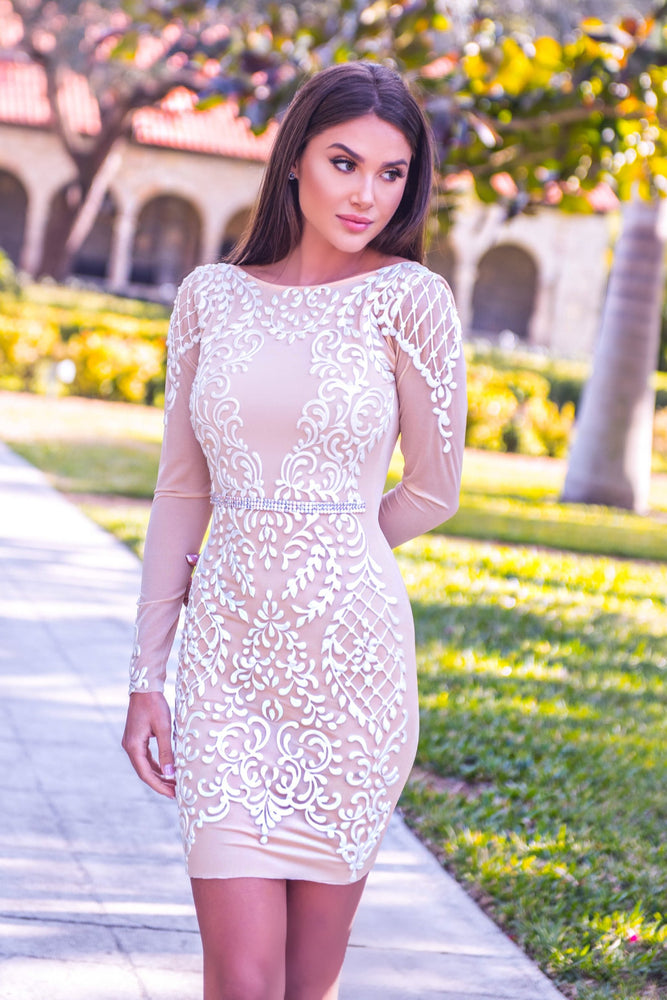BARBARA DRESS  NUDE WITH WHITE