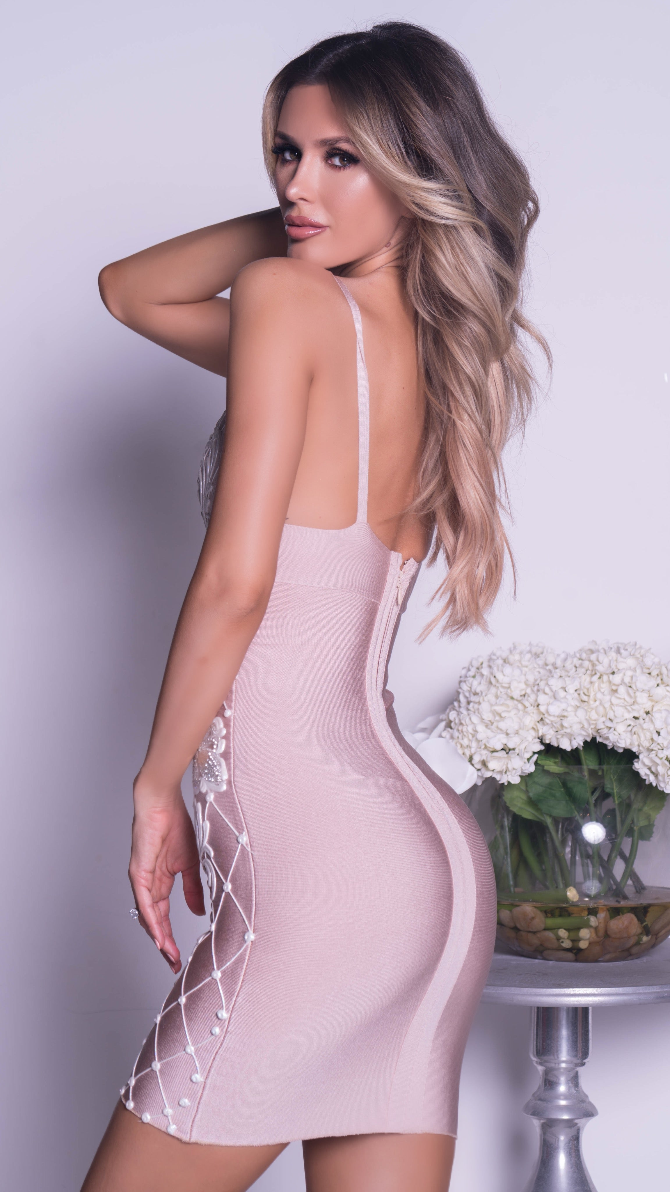 SELAY PAINTED BANDAGE DRESS IN NUDE WITH WHITE