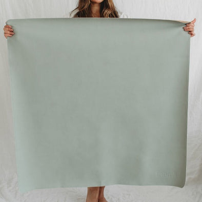 The MEDI mat in sage by Faemli