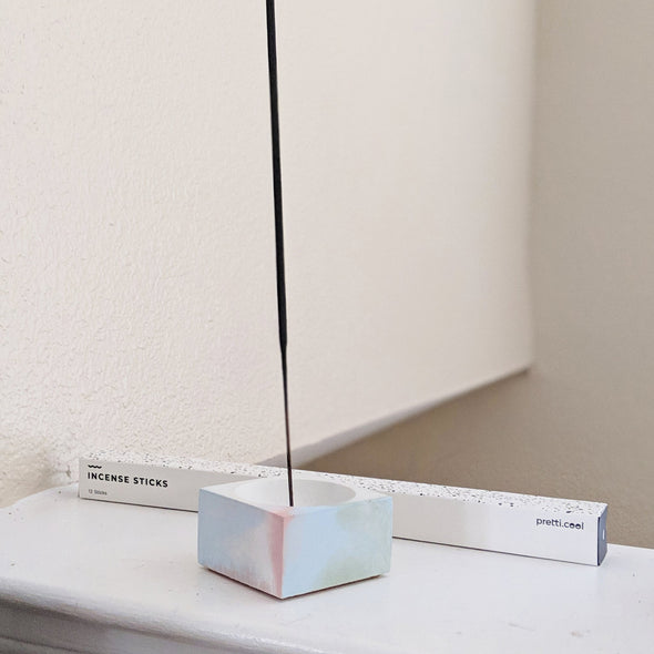 PRETTI.COOL INCENSE HOLDER (SQUARE)- GREY& WHITE