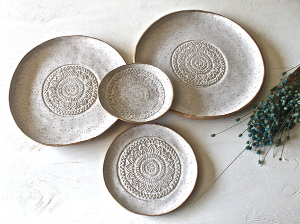 Set Of 4 Hand shaped Pottery Plates and bowl in Glossy White Speckled