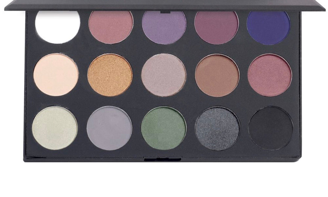 The Smokey - 15 Color Shadow Palette