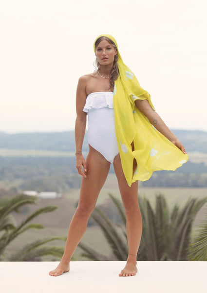 2019 summer_olivia-one-piece-ripple-jacquard-white-swimwear_contessa-volpi