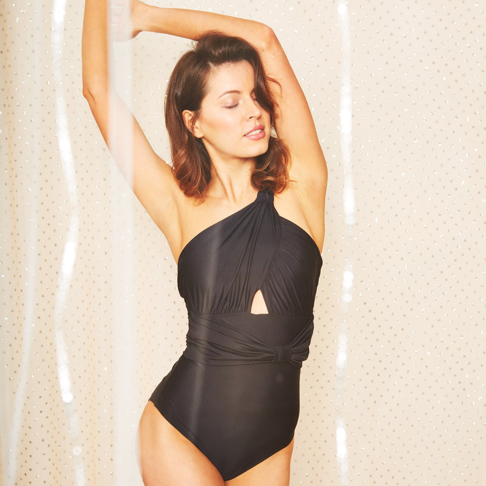 2019_summer_5_sharlise-one-piece-black-swimwear_contessa-volpi