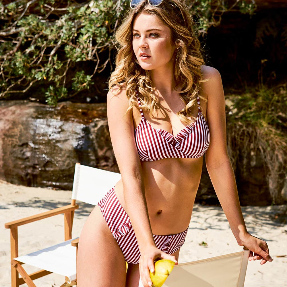 2019_summer_4_dalia-bikini-stripes-cherry-&-white-swimwear_contessa-volpi