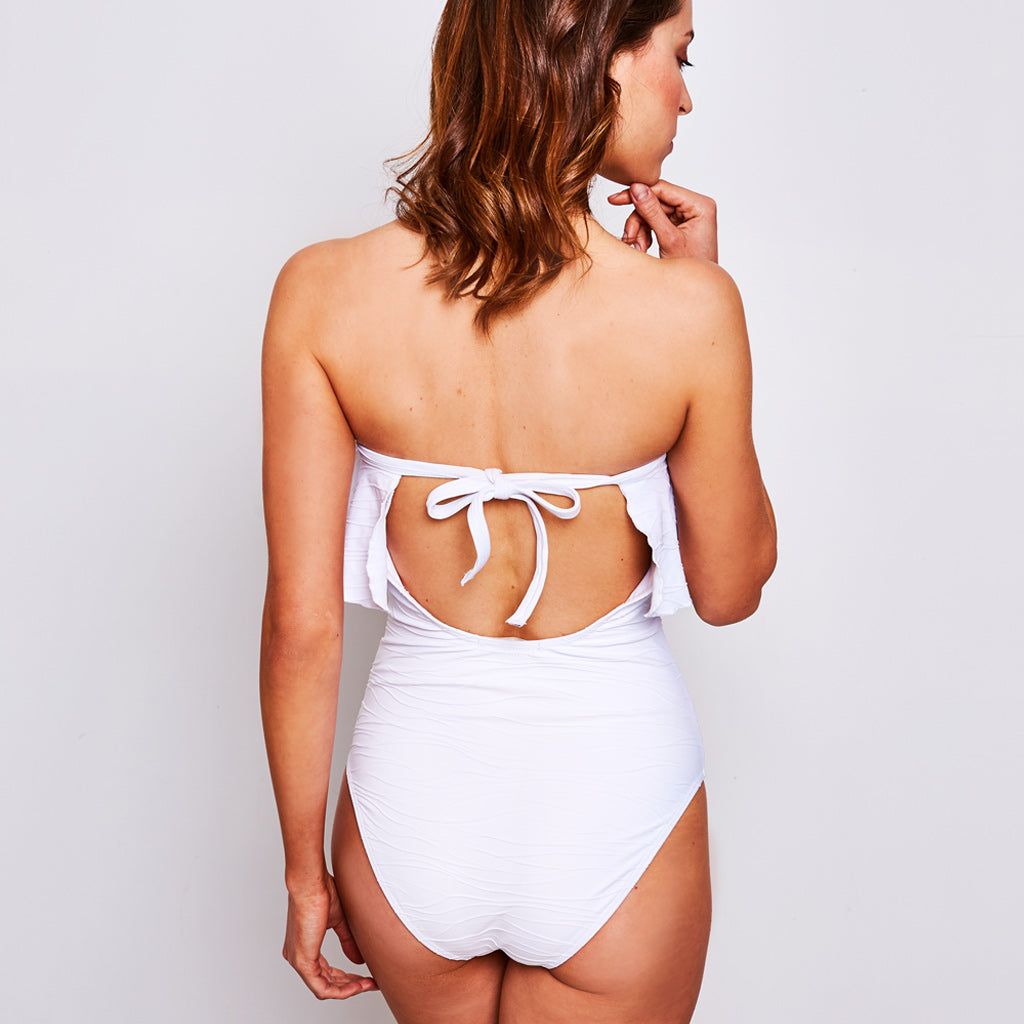 2019_summer_3_olivia-one-piece-ripple-jacquard-white-swimwear_contessa-volpi