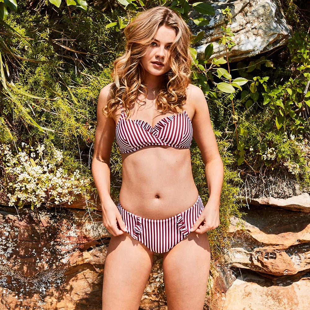 2019_summer_6_dalia-bikini-stripes-cherry-&-white-swimwear_contessa-volpi