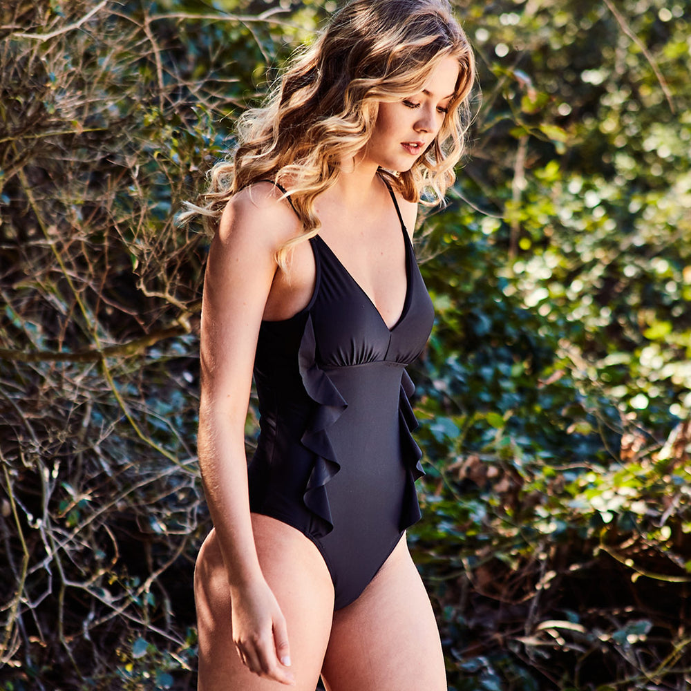 2019_summer_7_arianna-one-piece-black-swimwear_contessa-volpi