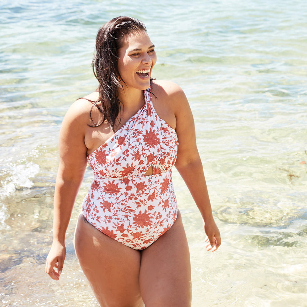 Angelica-one-piece-plus-size-print-paisley-2-contessa-volpi-summer-swimwear-collection