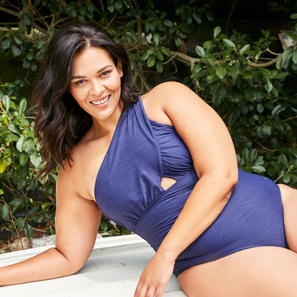 Angelica-one-piece-plus-size-jacquard-navy-2-contessa-volpi-summer-swimwear-collection