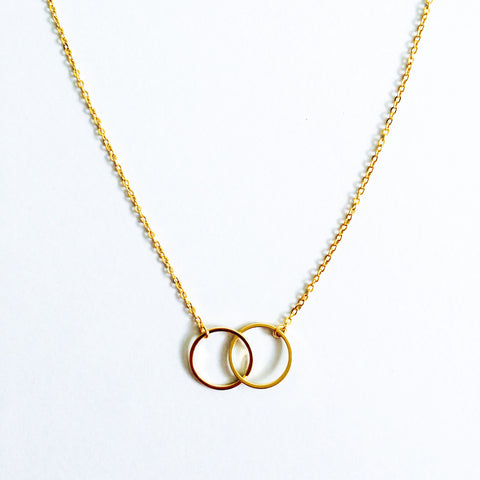 16k Gold Plated Linked Circle Infinity Pendant Necklace