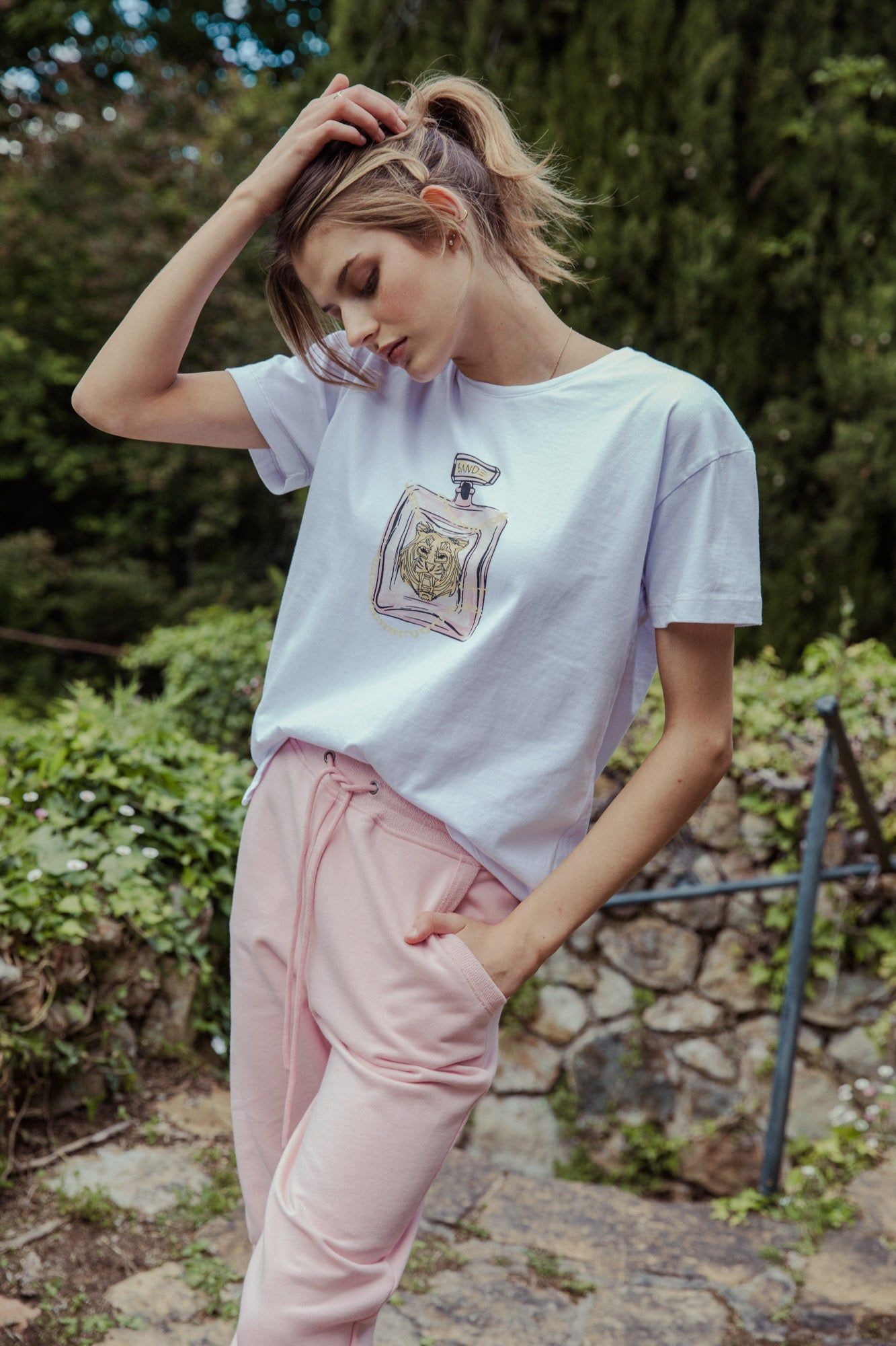 Fragrant Tiger Tee - white / rose pink