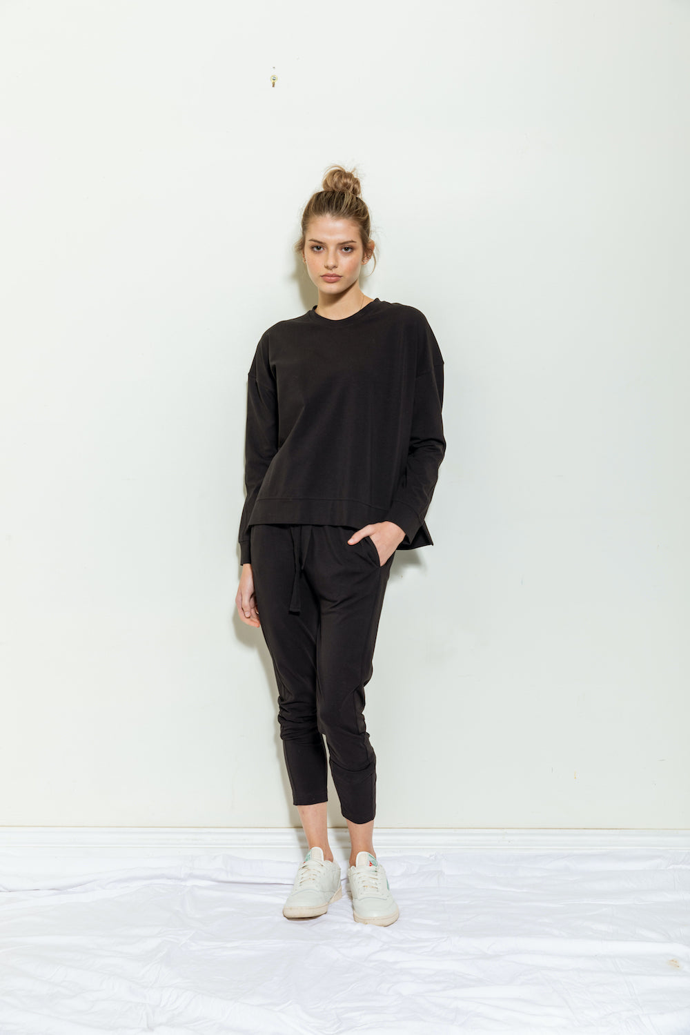 Anna Lightweight Slouch Pant - black