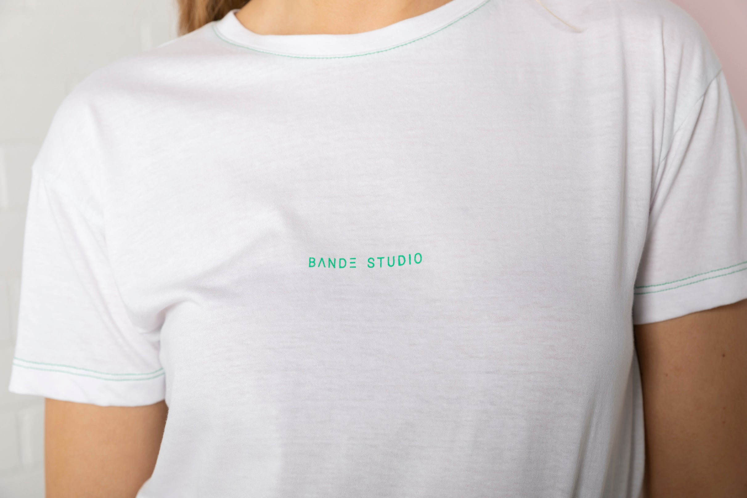 Mini Logo T-shirt - white with emerald green