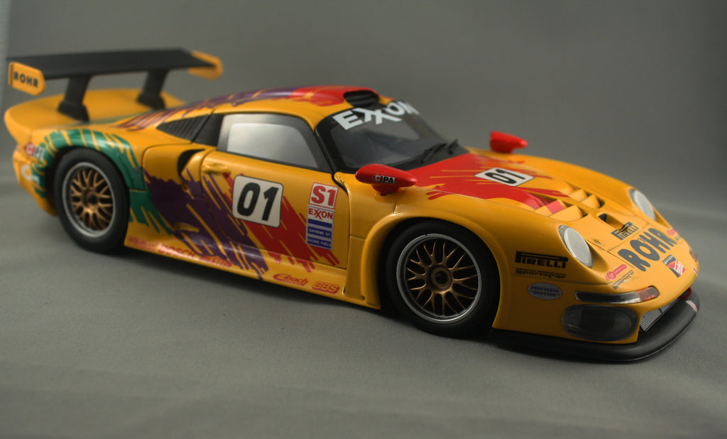 Old School UT 1/18 Porsche 911 GT1