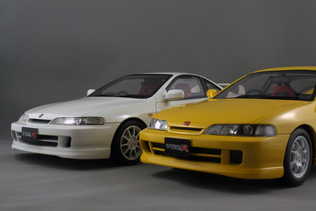 OneModel 1/18 98' Honda DC2 Type R vs Ottomoble 1/18 96' DC2 Type R