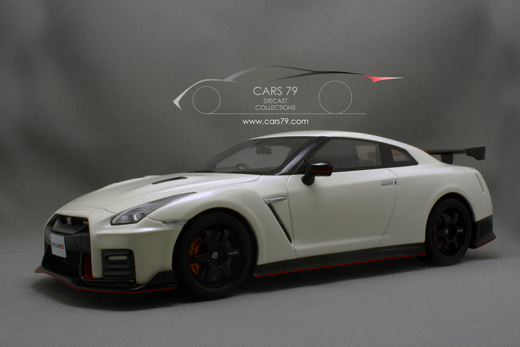 1 18 nissan gt r nismo 2017 by gt spirit car 79 diecast collections. Black Bedroom Furniture Sets. Home Design Ideas