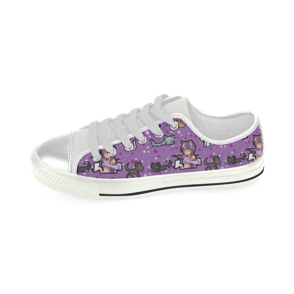 Aphmau White Women's Classic Canvas Shoes - TeeAmazing