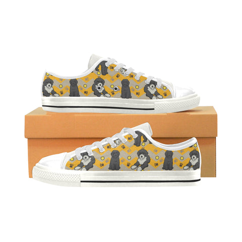 Portuguese water dog White Men's Classic Canvas Shoes (Model 018) - TeeAmazing