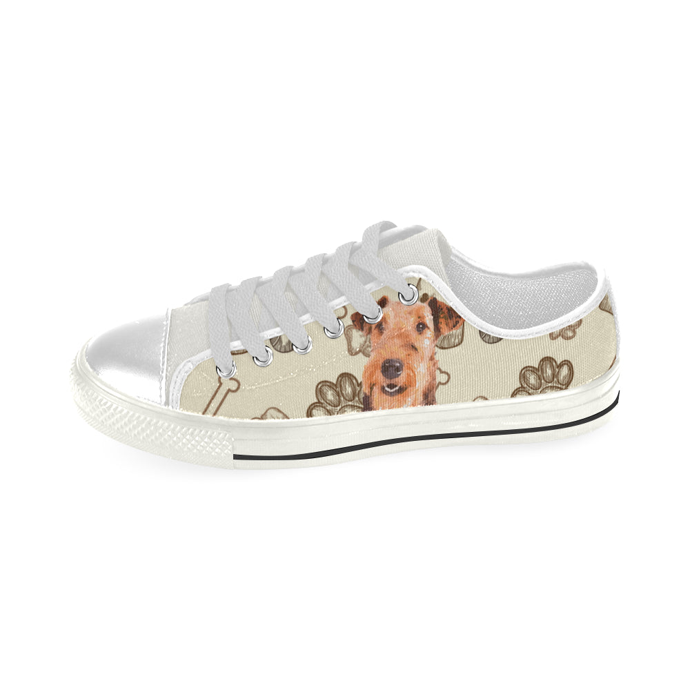 Airedale Terrier White Men's Classic Canvas Shoes - TeeAmazing